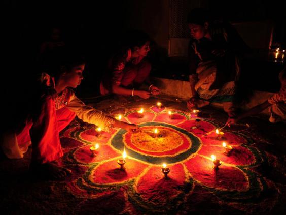 information diwali festival Diwali(sanskrit dīpãvali, row of lights) is a hindu festival of lights lasting five days in october or november meaning of diwali.